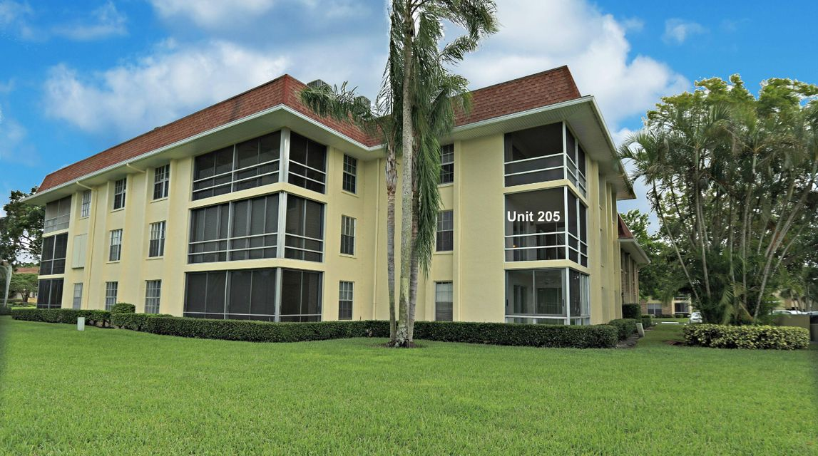 5500 Tamberlane Circle 205 , Palm Beach Gardens FL 33418 is listed for sale as MLS Listing RX-10371277 30 photos