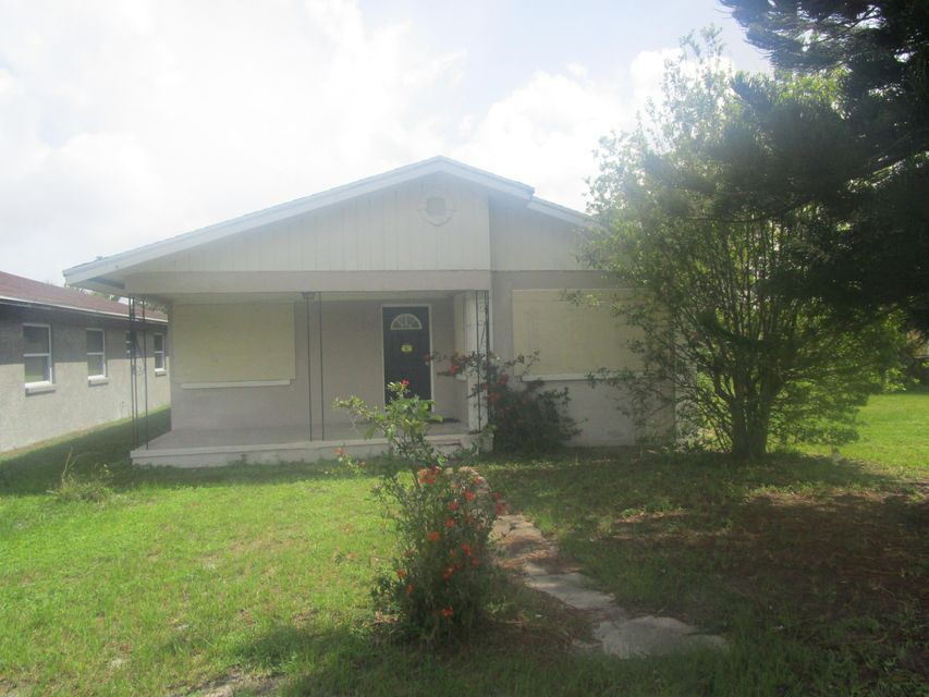 Duplex for Sale at 604 17th Street 604 17th Street Fort Pierce, Florida 34950 United States