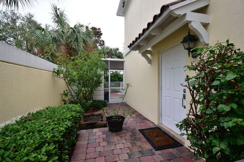 Additional photo for property listing at 165 Santa Barbara Way 165 Santa Barbara Way Palm Beach Gardens, Florida 33410 États-Unis