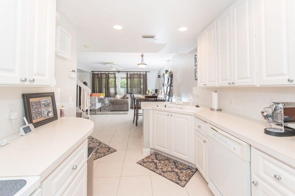 Additional photo for property listing at 165 Santa Barbara Way 165 Santa Barbara Way Palm Beach Gardens, Florida 33410 United States