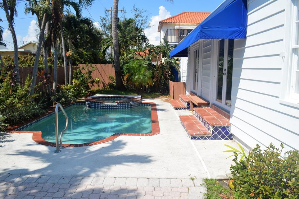 Additional photo for property listing at 326 Monceaux Road 326 Monceaux Road West Palm Beach, Florida 33405 United States