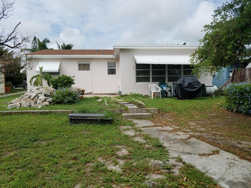 Additional photo for property listing at 1220 N B Street 1220 N B Street Lake Worth, Florida 33460 Vereinigte Staaten