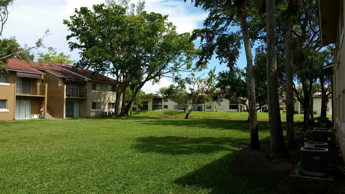 St Andrews Palm Beach Condo Homes for sale in West Palm Beach
