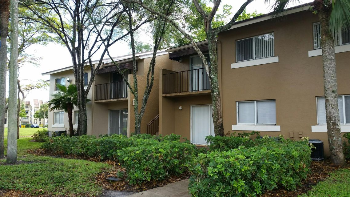 Additional photo for property listing at 1186 Lake Terry Drive 1186 Lake Terry Drive West Palm Beach, Florida 33411 United States