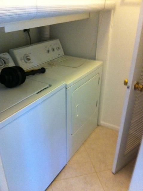Additional photo for property listing at 2501 SW 58 Manor 2501 SW 58 Manor Fort Lauderdale, Florida 33312 États-Unis