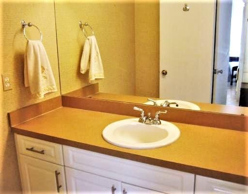 Additional photo for property listing at 1125 Lake Shore Drive 1125 Lake Shore Drive Lake Park, Florida 33403 Vereinigte Staaten