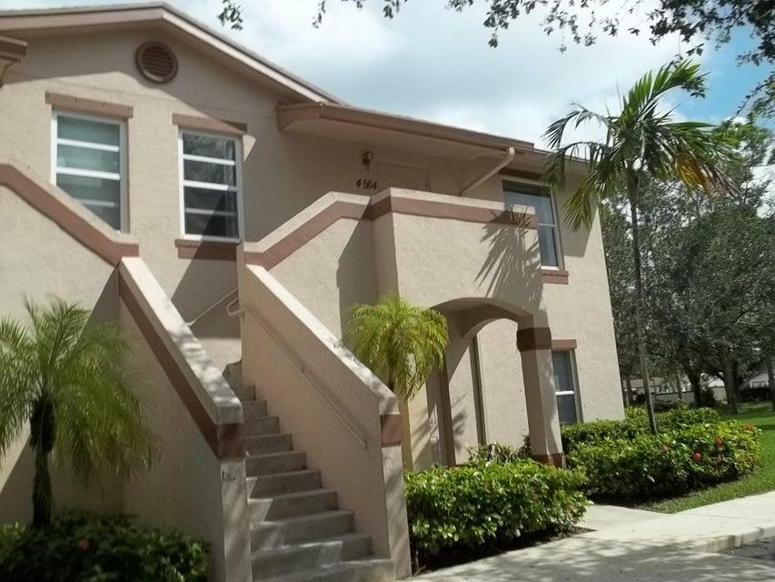 Co-op / Condominio por un Venta en 4564 Oak Terrace Drive 4564 Oak Terrace Drive Greenacres, Florida 33463 Estados Unidos