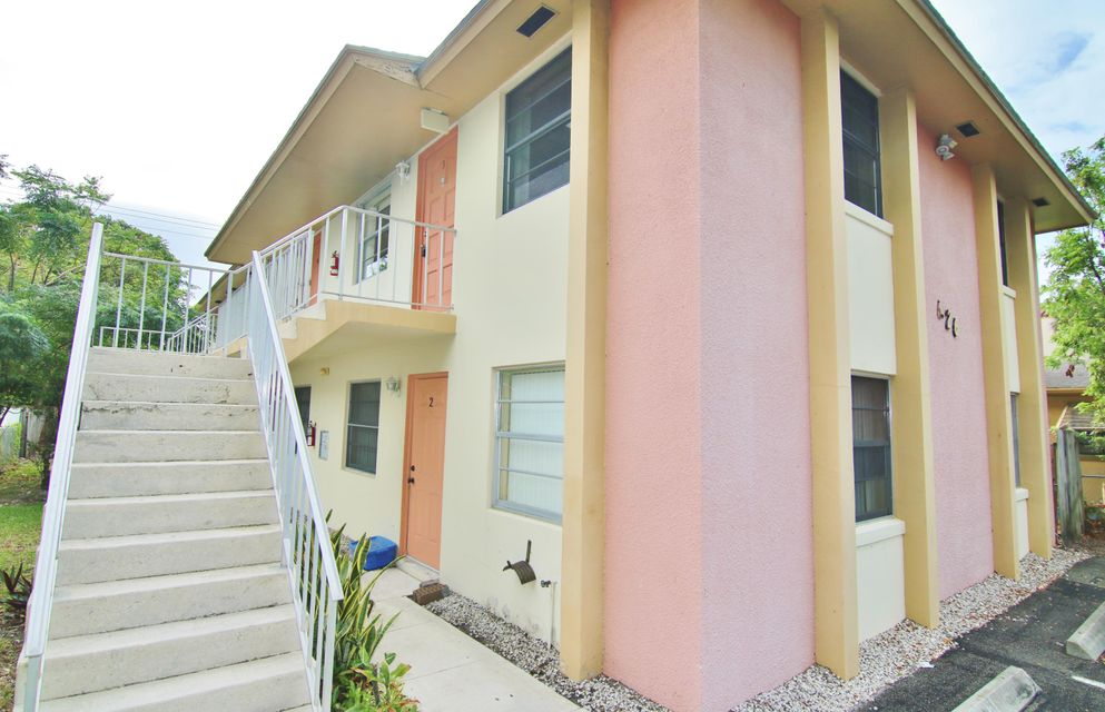 Quadraplex 为 销售 在 626 K Street 626 K Street Lake Worth, 佛罗里达州 33460 美国