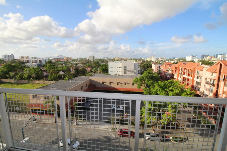 Additional photo for property listing at 900 SW 8th Street 900 SW 8th Street 迈阿密, 佛罗里达州 33130 美国