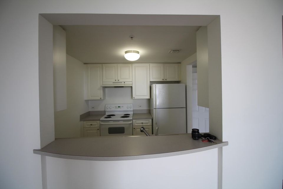Additional photo for property listing at 900 SW 8th Street 900 SW 8th Street Miami, Florida 33130 États-Unis