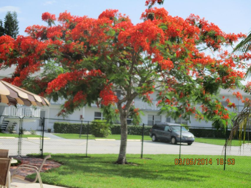 Additional photo for property listing at 410 Chatham T 410 Chatham T West Palm Beach, Florida 33417 Vereinigte Staaten