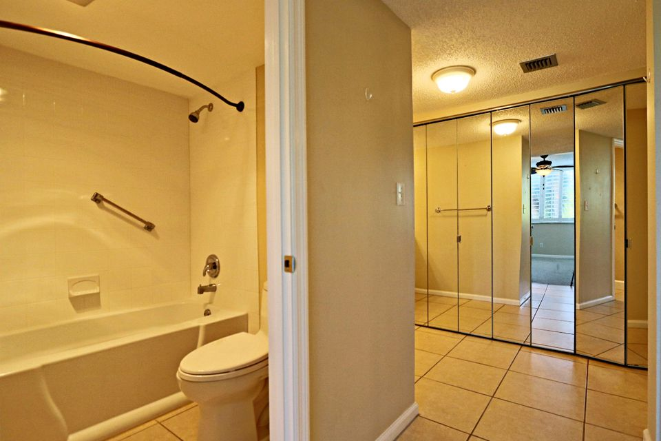 Additional photo for property listing at 1605 S Us Highway 1 1605 S Us Highway 1 Jupiter, Florida 33477 United States