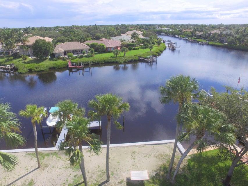 واحد منزل الأسرة للـ Sale في 18853 SE Jupiter River Drive 18853 SE Jupiter River Drive Jupiter, Florida 33458 United States