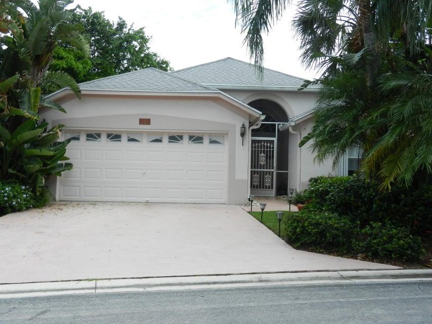 Casa para uma família para Venda às 345 Hammocks Trail 345 Hammocks Trail Greenacres, Florida 33413 Estados Unidos