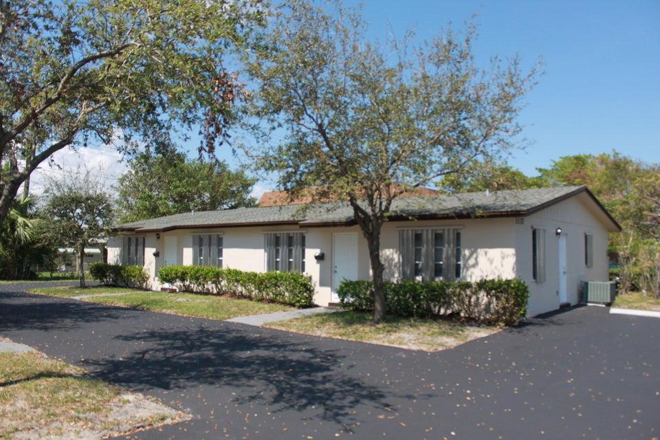 Quadraplex 为 销售 在 1137 Pine Street 1137 Pine Street Lake Worth, 佛罗里达州 33460 美国