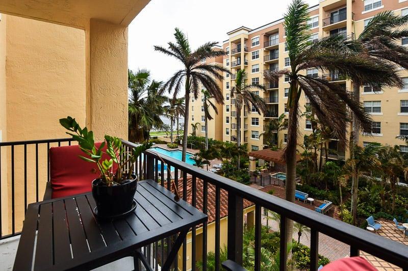 1801 N Flagler Drive 429  West Palm Beach, FL 33407
