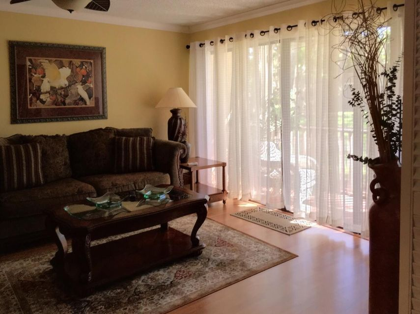 Additional photo for property listing at 127 Brackenwood Road 127 Brackenwood Road Palm Beach Gardens, Florida 33418 Estados Unidos