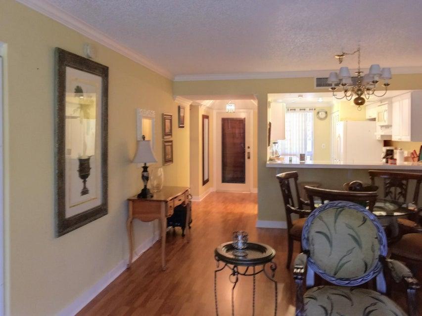 Additional photo for property listing at 127 Brackenwood Road 127 Brackenwood Road Palm Beach Gardens, Florida 33418 United States