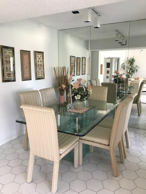 Additional photo for property listing at 3524 Via Poinciana 3524 Via Poinciana Lake Worth, Florida 33467 Vereinigte Staaten