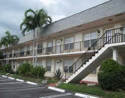 Coopérative / Condo pour l à louer à 405 N Cypress Drive 405 N Cypress Drive Tequesta, Florida 33469 États-Unis