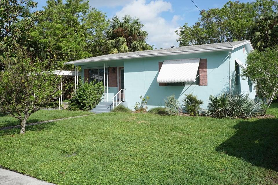 واحد منزل الأسرة للـ Sale في 1124 Jasmine Avenue 1124 Jasmine Avenue Fort Pierce, Florida 34982 United States