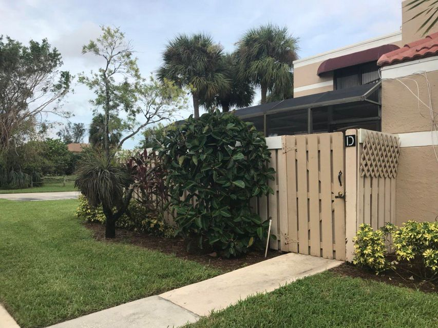 Additional photo for property listing at 3715 Village Drive 3715 Village Drive Delray Beach, Florida 33445 United States
