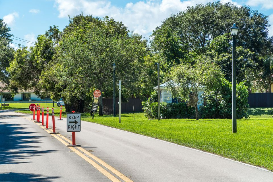 8603 Sawpine Road Delray Beach, FL 33446 - photo 3