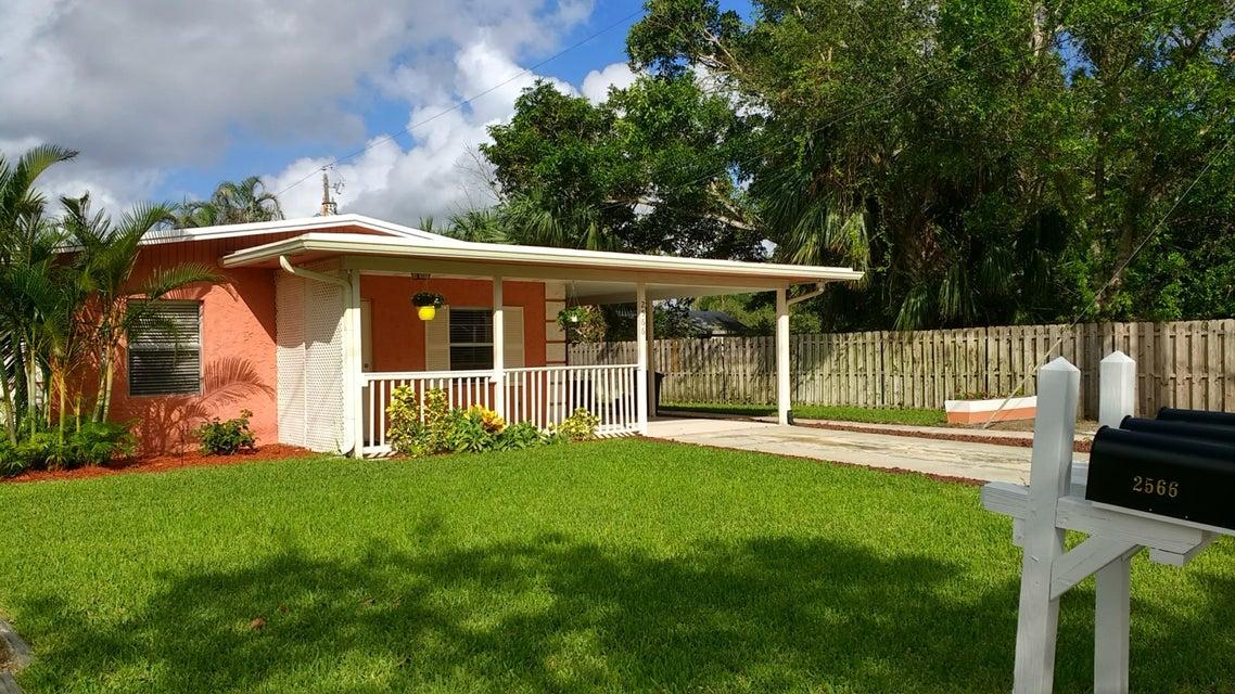Triple por un Venta en 2566 Feroe Avenue 2566 Feroe Avenue Palm City, Florida 34990 Estados Unidos