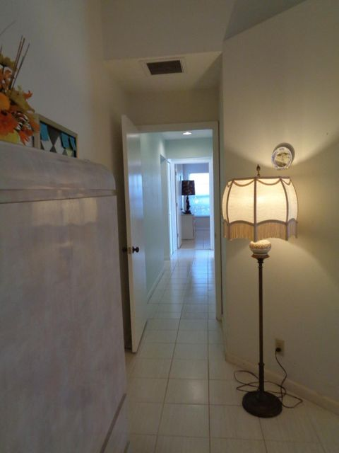 Additional photo for property listing at 6910 NW 2nd Terrace 6910 NW 2nd Terrace Boca Raton, Florida 33487 Estados Unidos