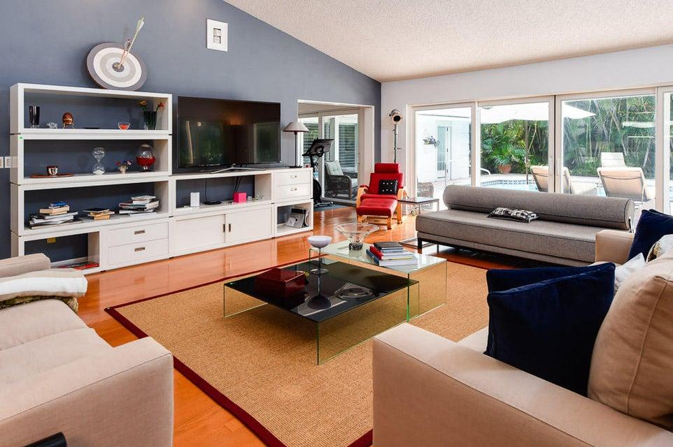 Additional photo for property listing at 210 Palmo Way 210 Palmo Way Palm Beach, Florida 33480 Estados Unidos