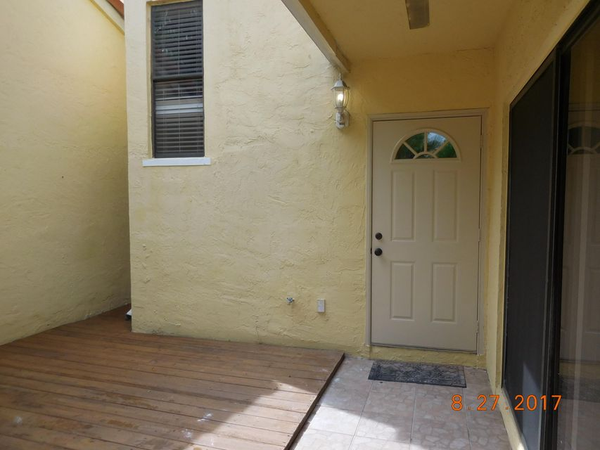 Additional photo for property listing at 22364 Pineapple Walk Drive 22364 Pineapple Walk Drive Boca Raton, Florida 33433 United States
