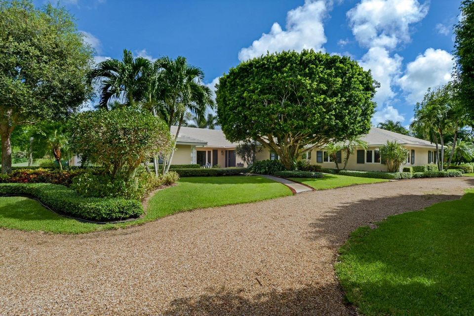 2 Country Rd W, Village Of Golf, FL 33436