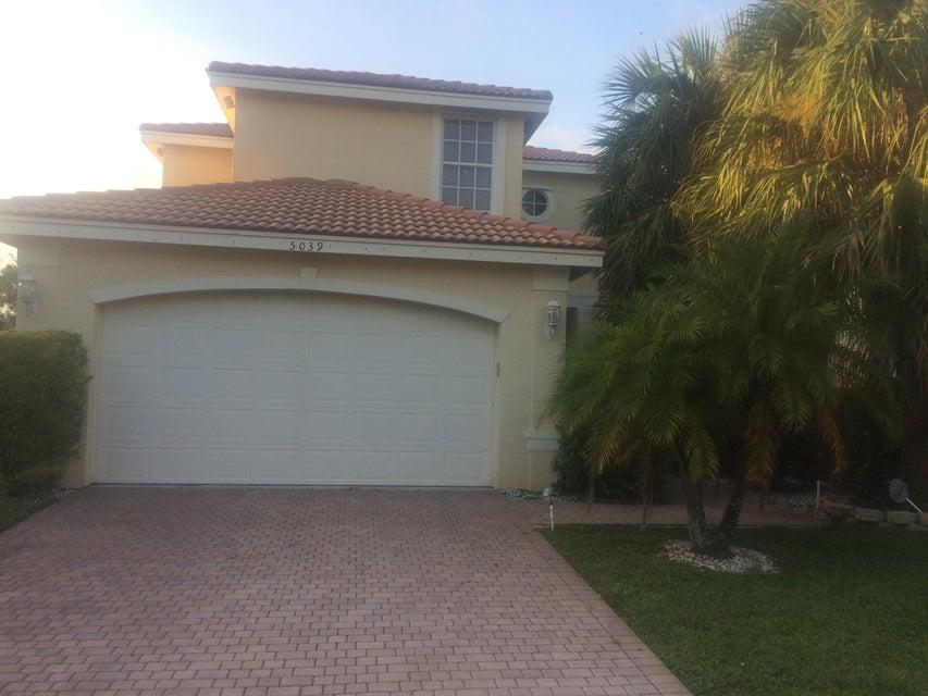 Casa Unifamiliar por un Venta en 5039 Nautica Lake Circle 5039 Nautica Lake Circle Greenacres, Florida 33463 Estados Unidos
