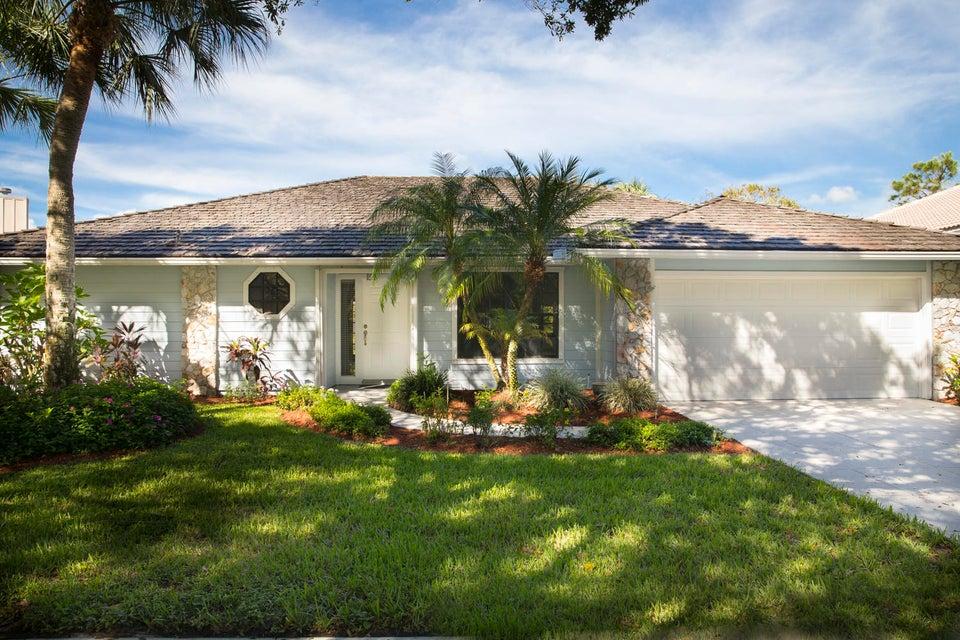 Single Family Home for Sale at 18920 Misty Lake Drive 18920 Misty Lake Drive Jupiter, Florida 33458 United States