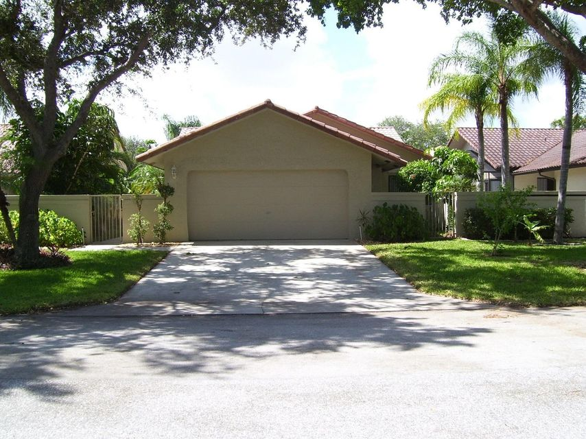 独户住宅 为 销售 在 1770 NW 21st Court 1770 NW 21st Court 德尔雷比奇海滩, 佛罗里达州 33445 美国