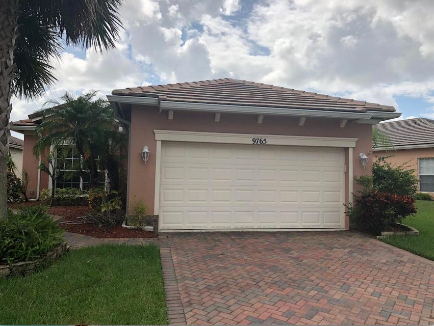 Additional photo for property listing at 9765 SW Eastbrook Circle 9765 SW Eastbrook Circle Port St. Lucie, Florida 34987 États-Unis