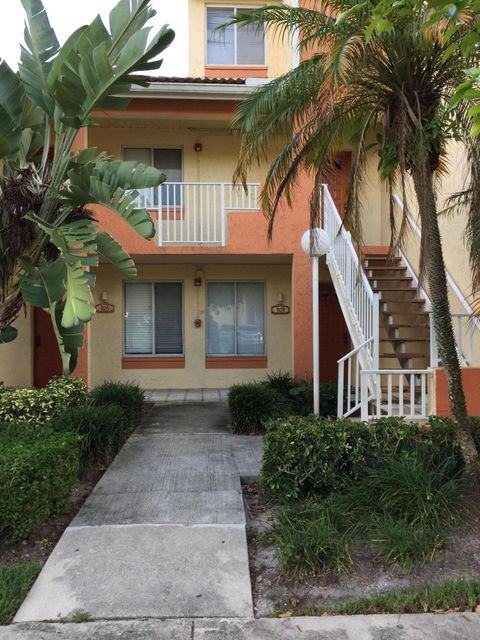 Additional photo for property listing at 909 Coral Club Drive 909 Coral Club Drive Coral Springs, Florida 33071 Estados Unidos