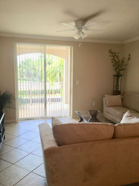 6573 Emerald Dunes Drive 202 West Palm Beach, FL 33411 photo 3