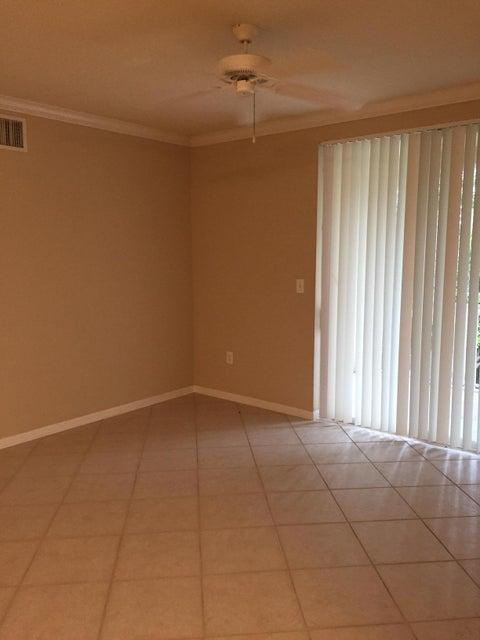 6475 Emerald Dunes Drive 208 West Palm Beach, FL 33411 photo 3