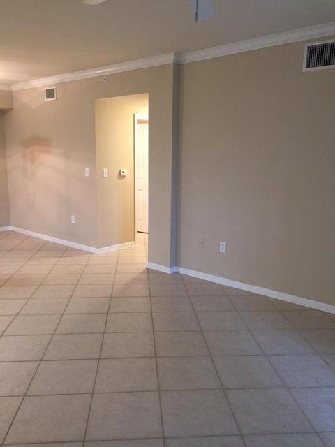 6475 Emerald Dunes Drive 208 West Palm Beach, FL 33411 photo 25