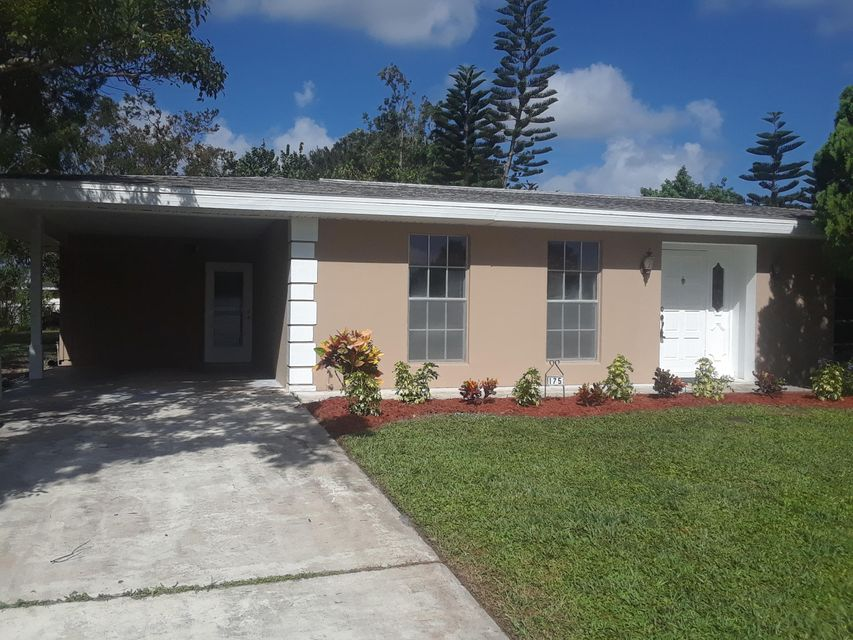 Additional photo for property listing at 175 NE Tunison Avenue 175 NE Tunison Avenue Port St. Lucie, Florida 34983 Estados Unidos