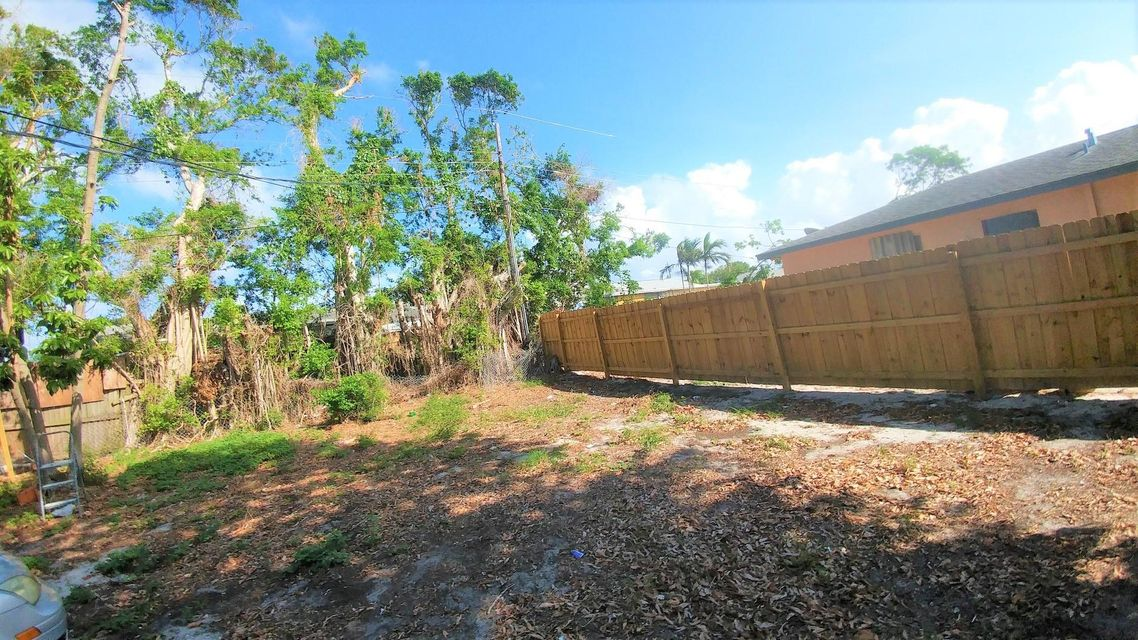 Additional photo for property listing at 3250 E Palm Drive 3250 E Palm Drive Boynton Beach, Florida 33435 États-Unis