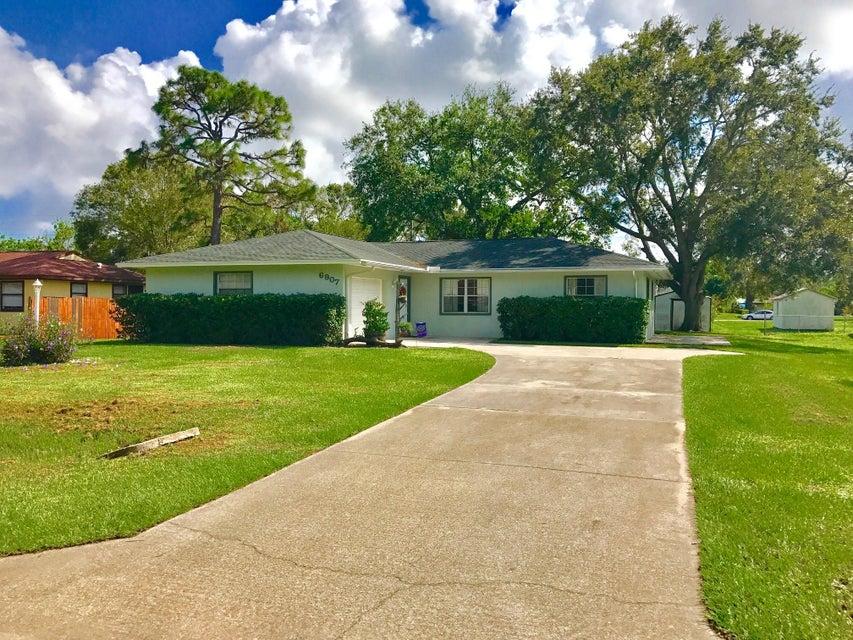 Casa para uma família para Venda às 6907 Citrus Park Boulevard 6907 Citrus Park Boulevard Fort Pierce, Florida 34951 Estados Unidos