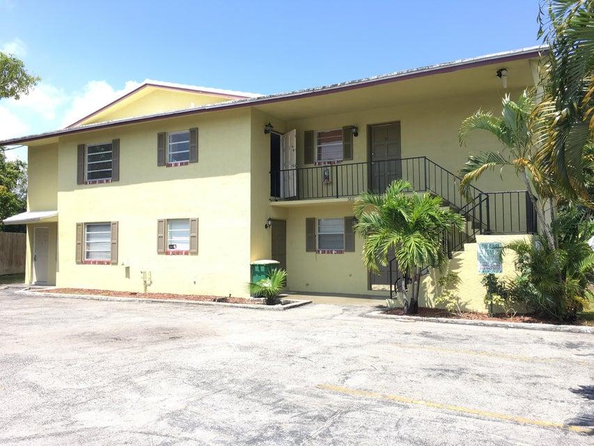 Additional photo for property listing at 5811 NE 14th Road 5811 NE 14th Road 劳德代尔堡, 佛罗里达州 33334 美国