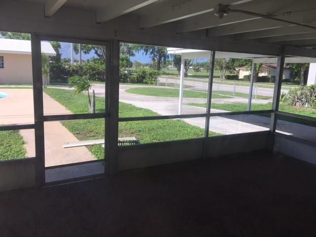 Additional photo for property listing at 1401 39th Street 1401 39th Street West Palm Beach, Florida 33407 États-Unis