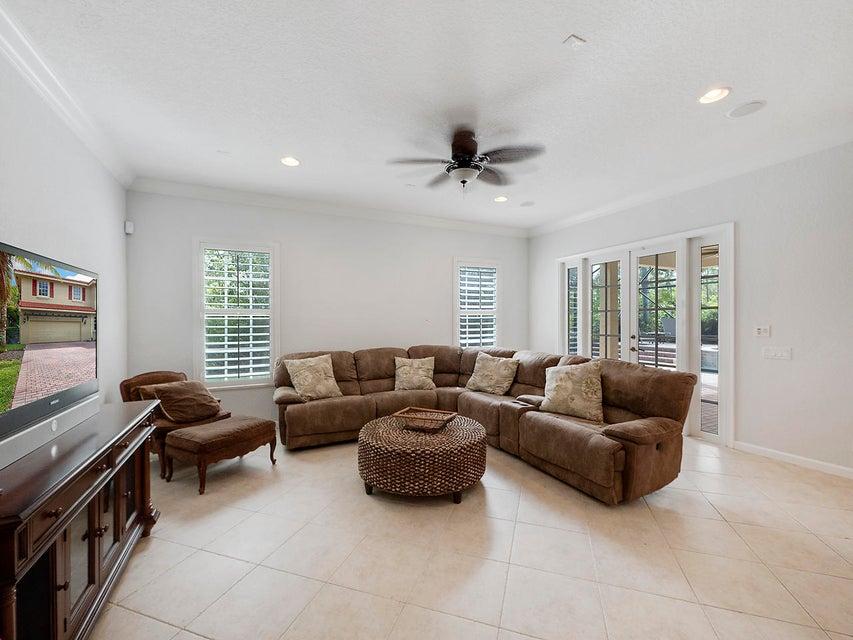 Additional photo for property listing at 164 Via Rosina 164 Via Rosina Jupiter, Florida 33458 United States
