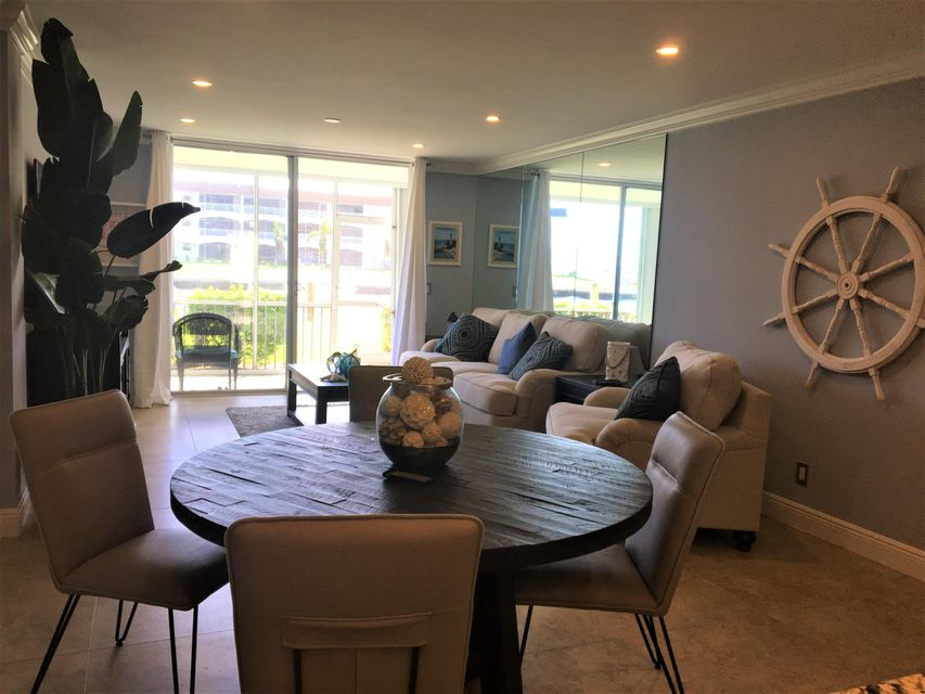 Additional photo for property listing at 100 Paradise Harbour Boulevard 100 Paradise Harbour Boulevard North Palm Beach, Florida 33408 Estados Unidos