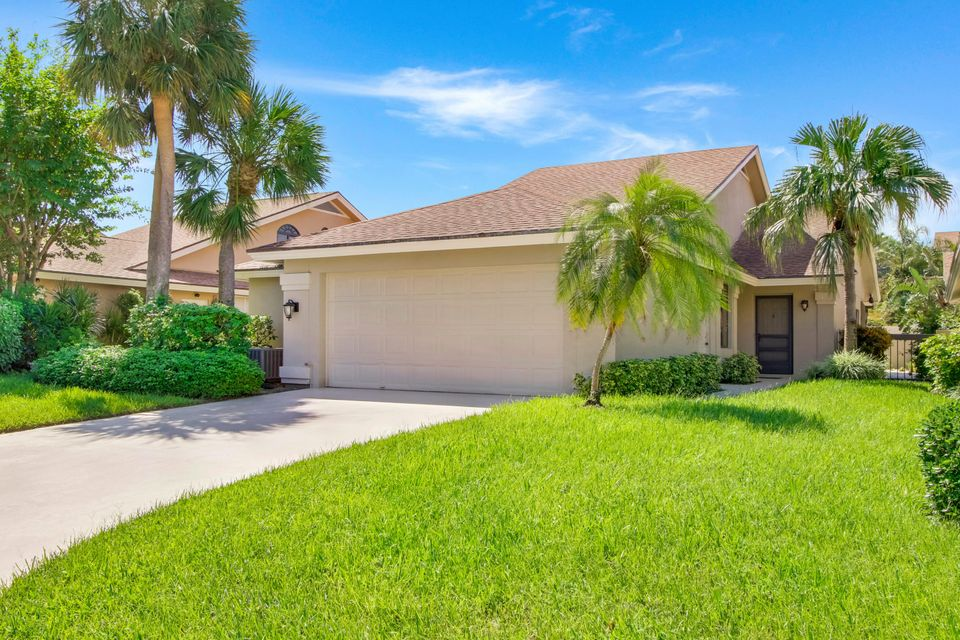 Photo of  Jupiter, FL 33477 MLS RX-10372365
