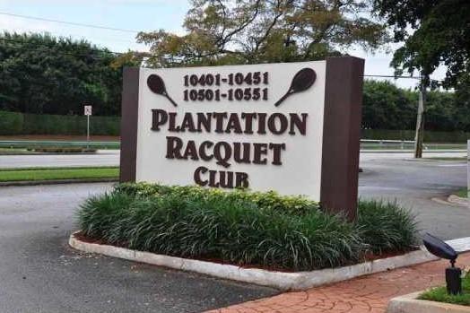合作社 / 公寓 为 销售 在 10451 W Broward Boulevard 10451 W Broward Boulevard 种植园, 佛罗里达州 33324 美国