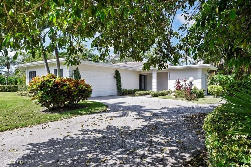 13265 Sand Grouse Court , Palm Beach Gardens FL 33418 is listed for sale as MLS Listing RX-10370642 15 photos